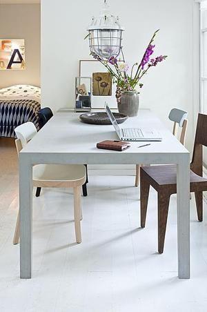 Bekijk de foto van suuuzann met als titel Mooie, lichtgrijze tafel en andere inspirerende plaatjes op Welke.nl.