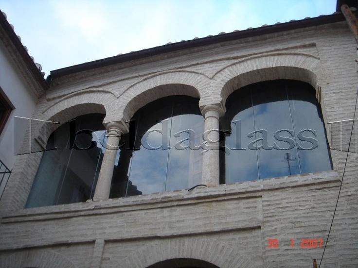 Terraza acristalada con cerramientos panoramicos ó cortinas de cristal