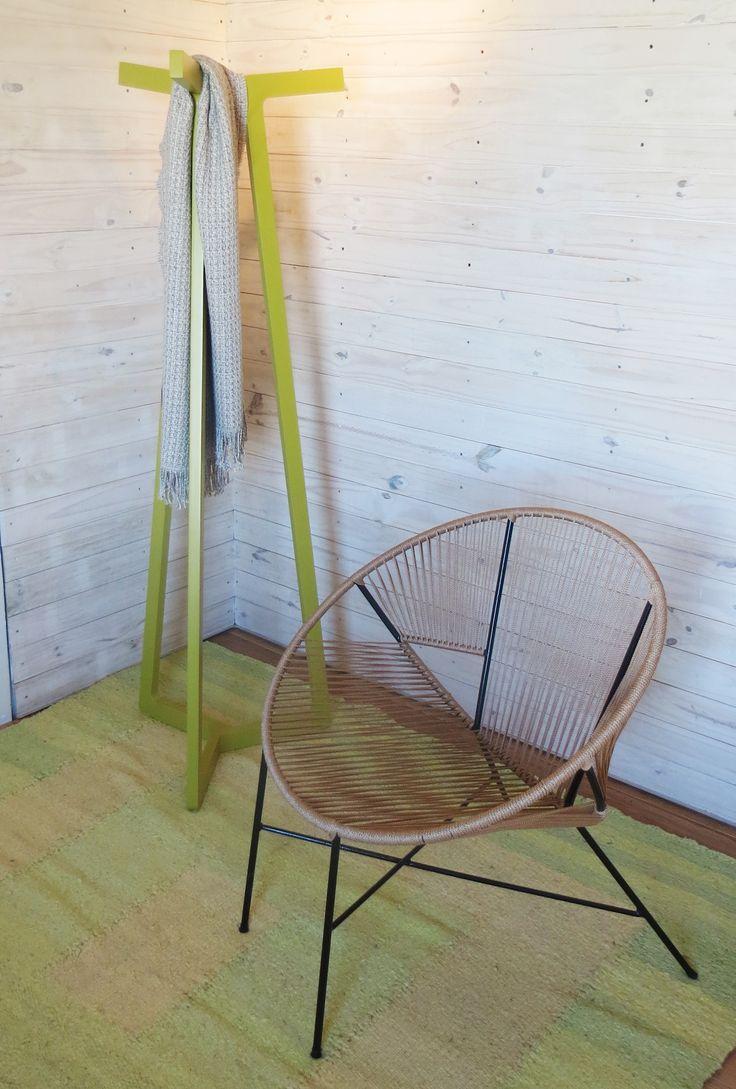 """Espacio """"Desconexión Interior"""" a cargo de Di Marco, Badia, Guarracino y Russo.  Perchero Haití y silla Yute. #estilopilar #diseñointerior"""