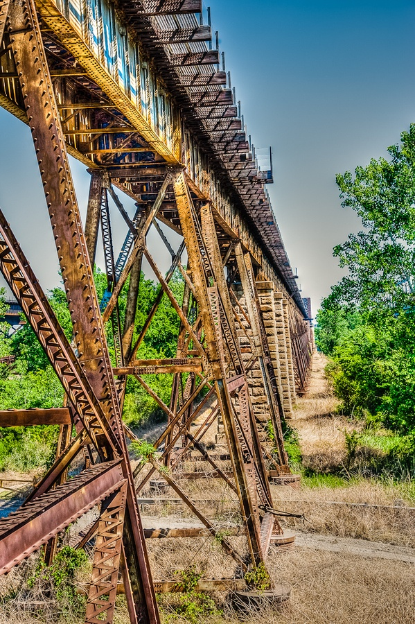 The Frisco railway bridge over the Mississippi River, near Memphis, TN, USA