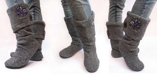 AWESOME use for your (or your boyfriend's, dad's etc) old, stained sweater: sweater boots! Requires boring flats, old sweater, scissors, sewing machine (you can make them by hand if you want to) and some glue. Definately gonna do these!