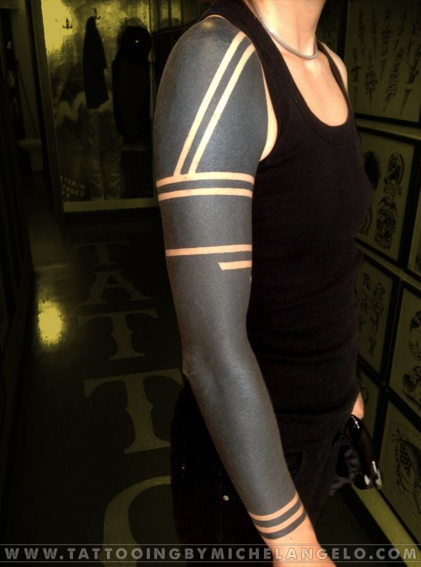 Tatuaggi in stile Blackwork - Tattooing by Michelangelo