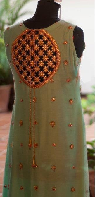 Lehenga gold zari zardozi indian weddings bride bridal wear www.weddingstoryz.com details love the gota!