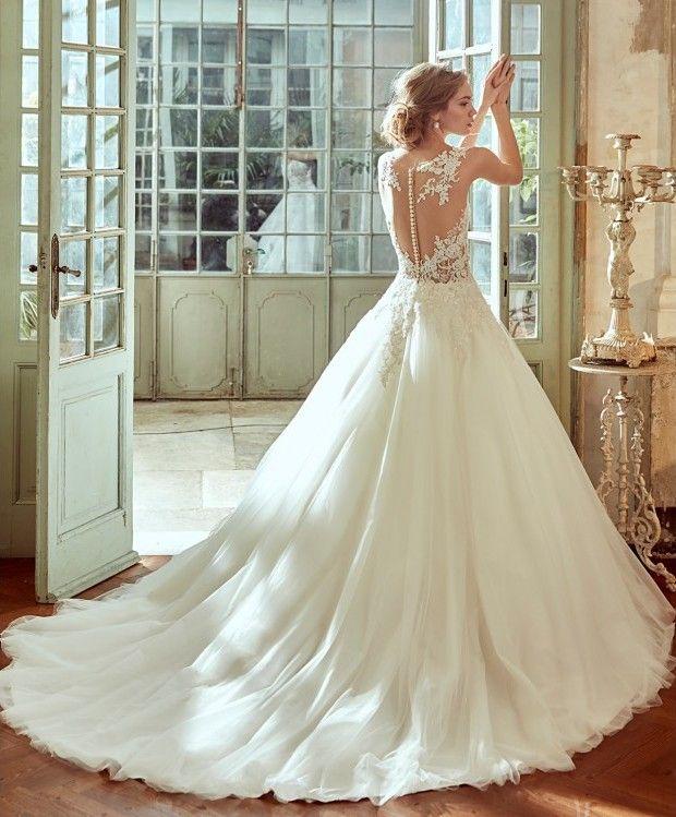 Vestido de novia elegante con pedreria