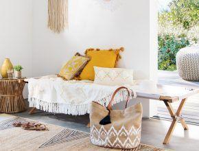 Must-have déco : le lit de camp en bois