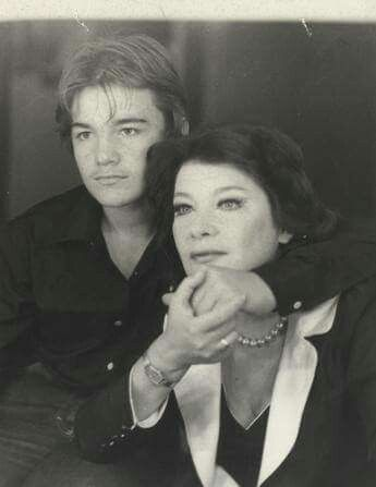 Τζένη Καρέζη μαζί με τον γιό της Κωνσταντίνο