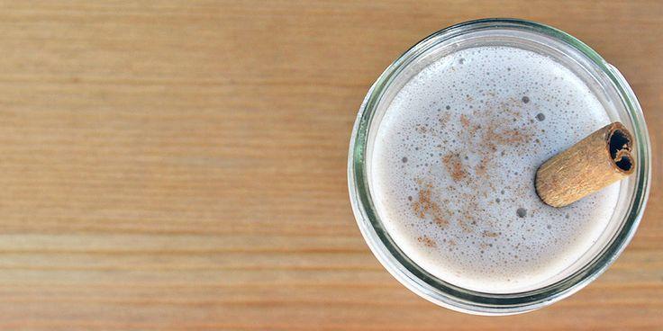 Cinnamon Bun Smoothie 1 Frozen banana, cut into four pieces 1 cup unsweetened almond milk 1/2 teaspoon ground cinnamon 1/4 teaspoon vanilla extract