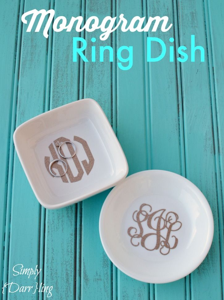 Monogram Ring Dish - a fun Silhouette project using glitter adhesive vinyl. Keep your rings protected from falling off the nightstand with these adorable ring dishes.