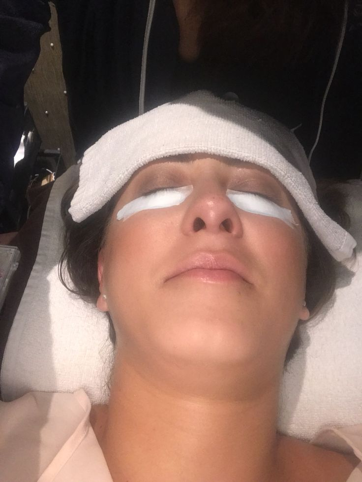 If you are like me with little to no eye lashes what so ever you dream of always having longer lashes that might one day sprout overnight and one morning you will wake up with gorgeous, long, luxur…