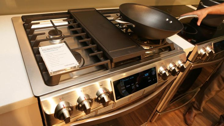 Samsung's stove and oven combo controlled by a touchscreen has got it all!