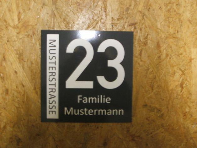 Hausnummern - Hausnummer Kunststoff Wunschbeschriftung - ein Designerstück von donfrederec bei DaWanda