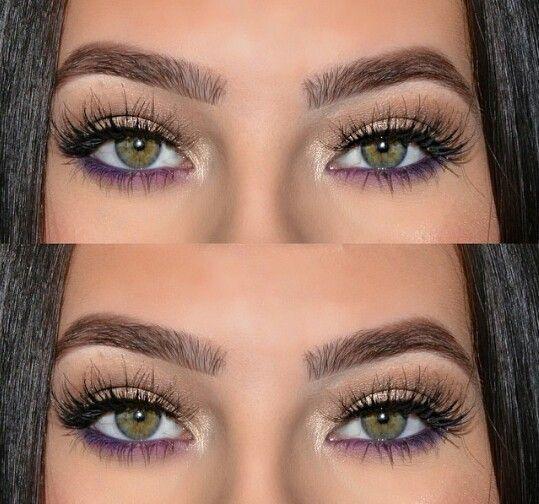 El color púrpura debajo del delineador es una excelente manera de agregar drama a tu look de maquillaje. #EyeMake