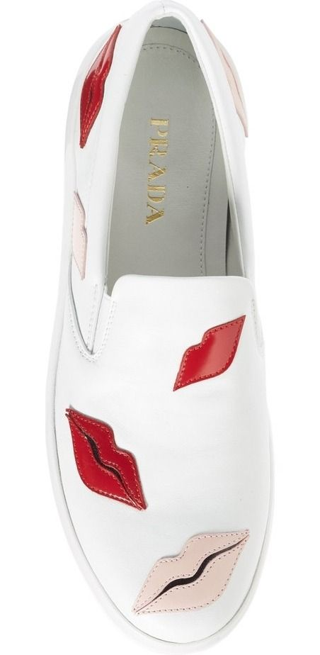 Colorful lips add eye-catching personality to this skater-chic sneaker that's a street-style standout.