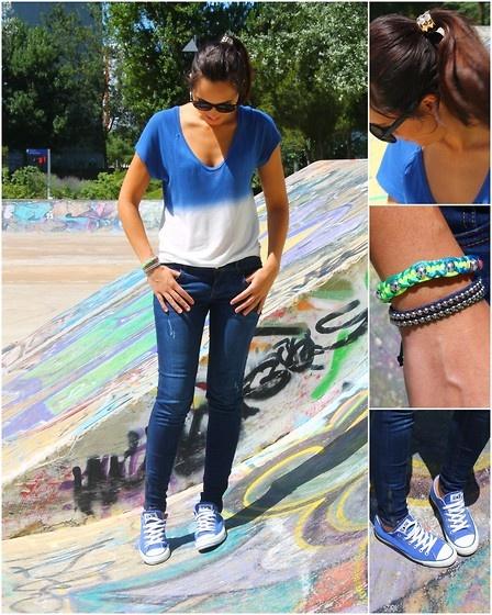 T-shirt - Zara  Jeans - Pull  Ténis/Sneakers- All Star Converse  Hair cuff - H  Pulseiras/Bracelets - Mercado Lx Factory