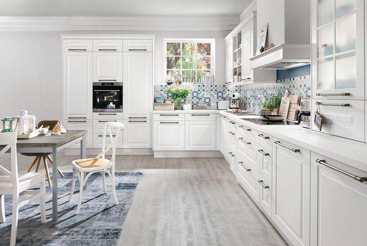 Kuchyně Selma   SIKO KUCHYNĚ Hledáte kuchyni plnou moderních funkcí, s řadou úložných prostor a přesto tradičního vzhledu? Pak kuchyně  Selma jistě naplní vaše očekávání. Lakovaná dvířka klasického vzhledu rámové konstrukce, v moderní matné alpské bílé. Tato kuchyně se skvěle hodí i do interiéru s nádechem rustikálního stylu.