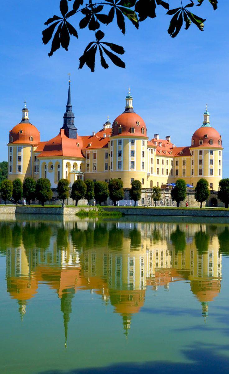 Moritzburg - Sachsen.          Hier wurden Szenen vom Kultfilm Aschenbrödel gedreht.