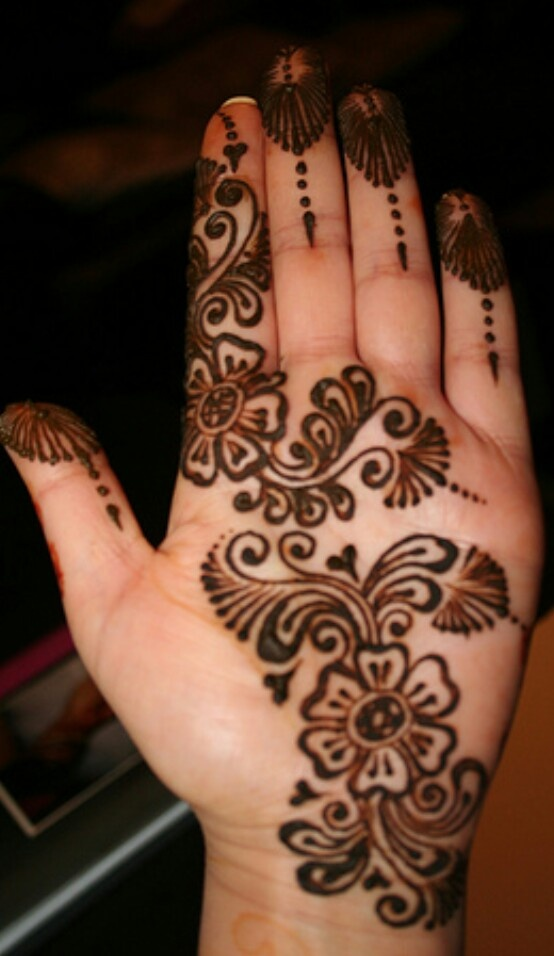Mehndi design By Jugni's Jania