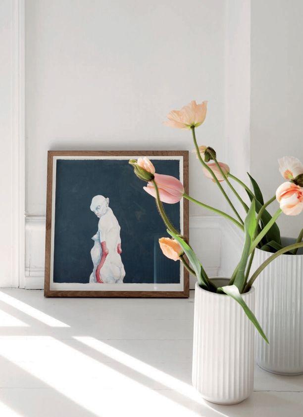 Lotte Mørch er indehaver af modeagenturet Mørch Fashion og bor i et hus i Charlottenlund med sin franske mand og deres to børn. Kom med ind i Lottes smukke hjem og se blandt andet, hvem hendes favoritdesigner er...