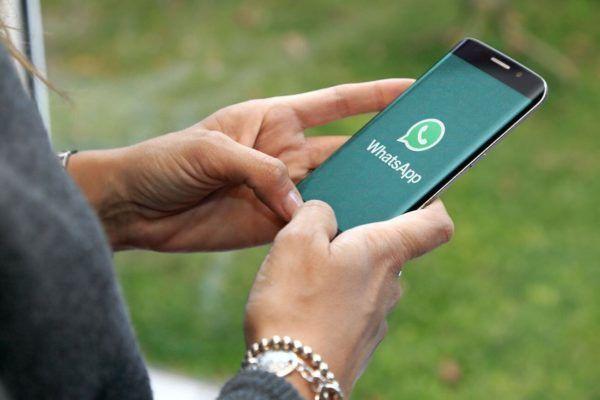 La nueva lista de WhatsApp que desvela en qué teléfonos viejos seguirá funcionando   La popular aplicación de mensajería instantánea ha decidido ampliar el plazo de tiempo por el que seguirá dando soporte a las versiones de los sistemas operativos más viejos en los que iba a dejar de funcion.   Como ya contamos hace tiempo WhatsApp dejará de funcionar en determinados móviles con sistemas operativos antiguos. La aplicación de mensajería instantánea anunció en febrero de 2016 que a finales de…