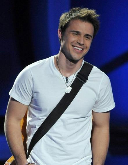 Kris Allen is such a cutie!