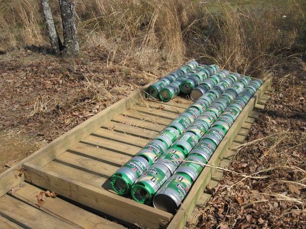 Using heineken mini kegs to make a floating dock great for Small pond dock plans