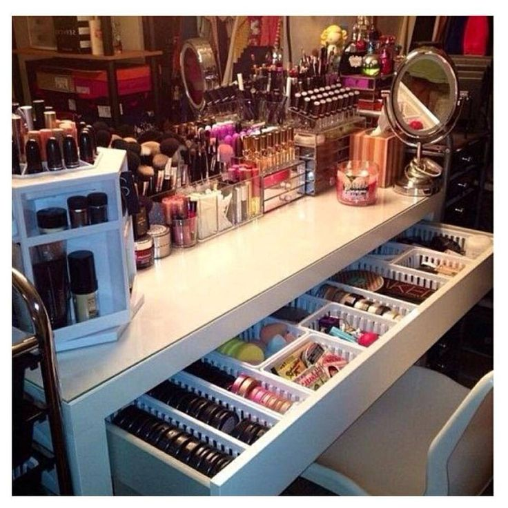 Dream make up station. mine would mostly be nail polish