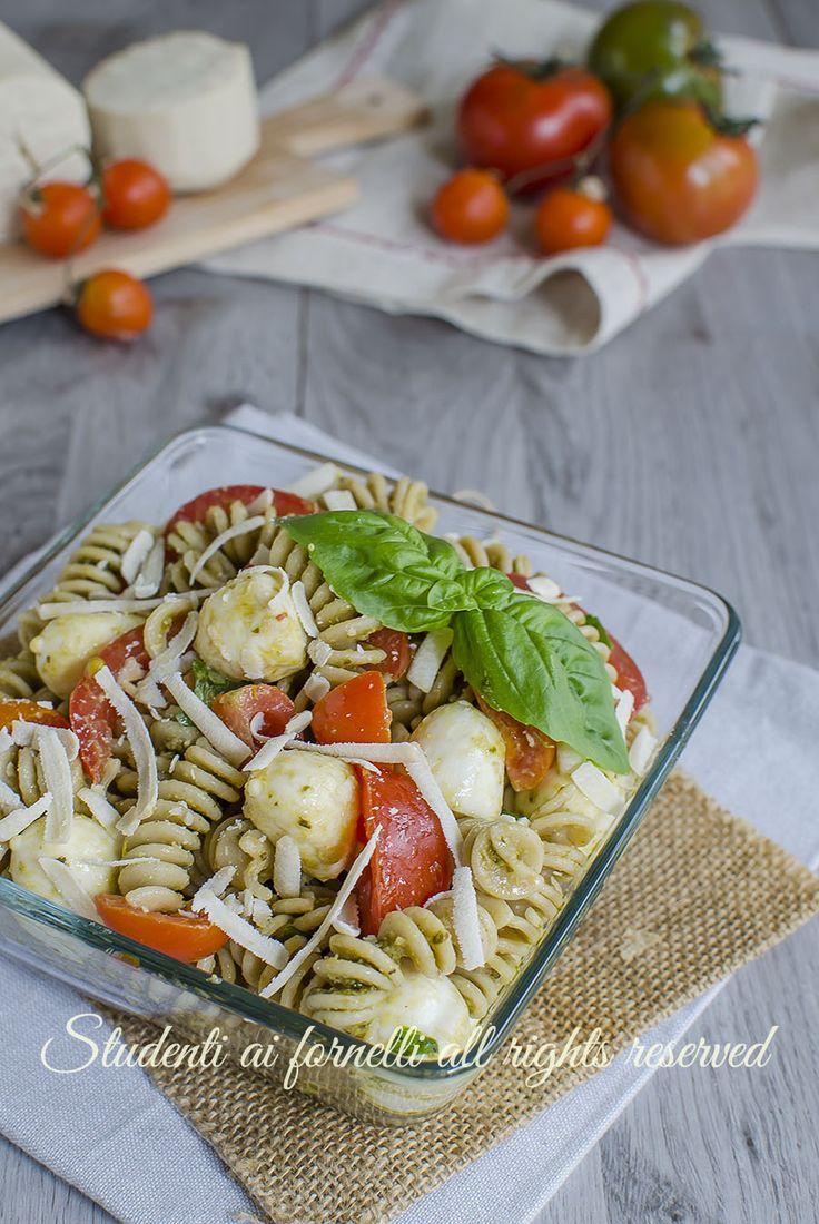 ricetta pasta fredda integrale alla caprese pomodorini e mozzarella ricetta primo estivo light