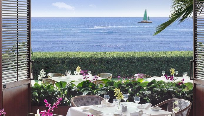 Honolulu, Hawaii: a favorite spot for a romantic brunch @ Halekulani Resort, Orchids restaurant.