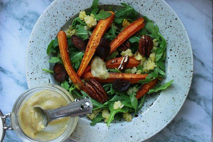 letní salát s červenou čočkou a pečenou mrkví
