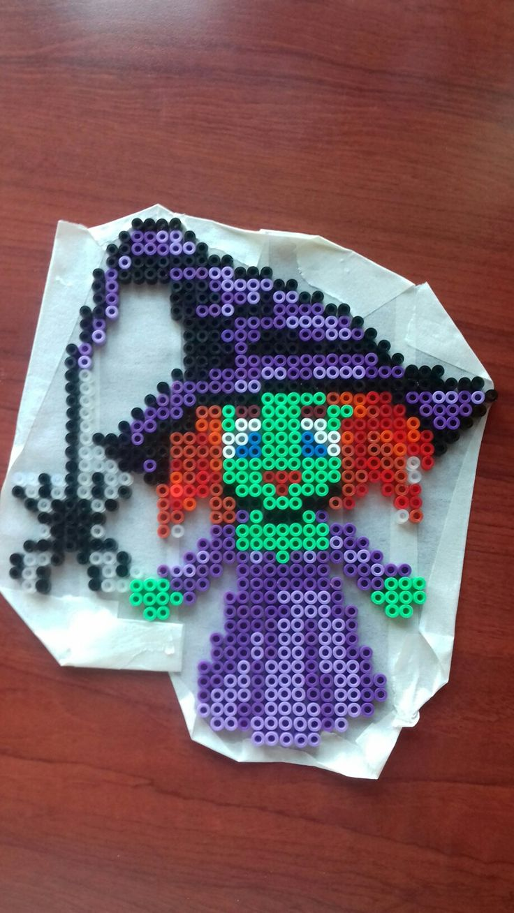 Hama perler beads witch halloween  Made by Yvonne DK
