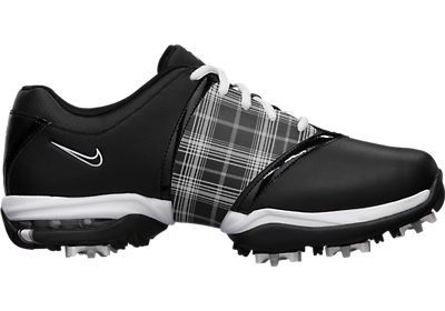 I don't play golf but  . . .  . so cute ------Nike golf shoes
