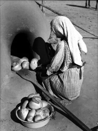 Toas Pueblo,Baking Bread, Taos, New Mexico, 1941 Native American Women