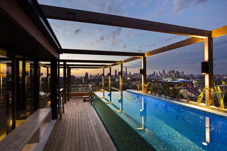 Yarra House rooftop pool Bird de la Coeur Architects photo: Dianna Snape