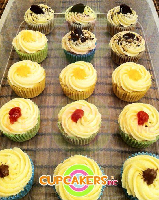 Cupcakes con rellenos: chocolate, fresa, melocotón y oreo.