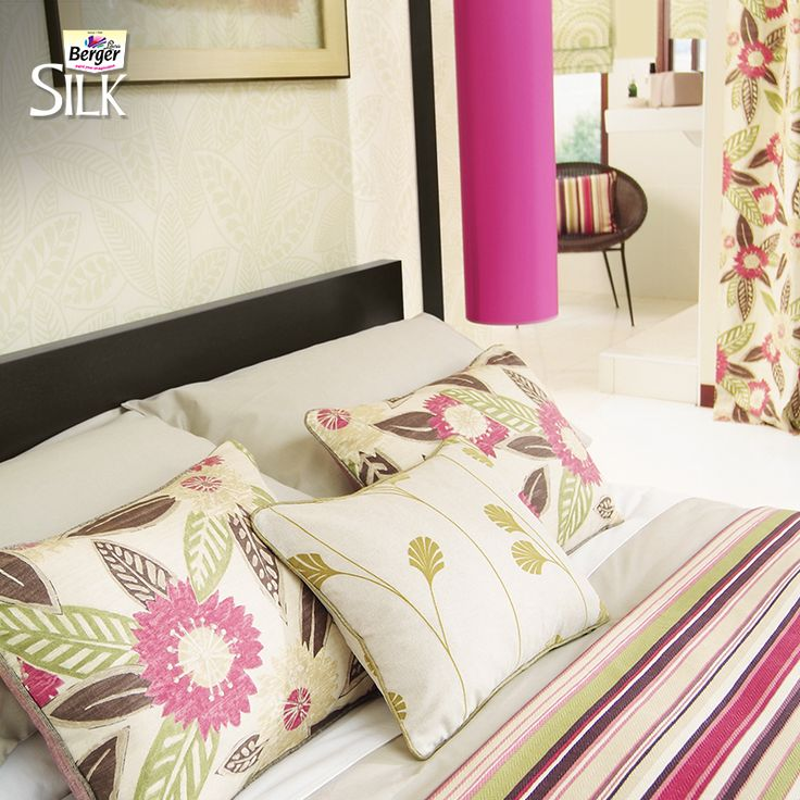 Layers and an elegant mix of colors, prints and pillows can make a space seem airier and give depth to a bedroom! #HomeDecor #TipsAndTrends #HomeSweetHome #DuniyaDekhegi