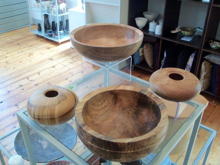 Ashley Viljoen is from KwaZulu- Natal, where he produces his stunning wood turned work. Exhibiting at Artisan Gallery. info@artisan.co.za. ph: 031 312 4364