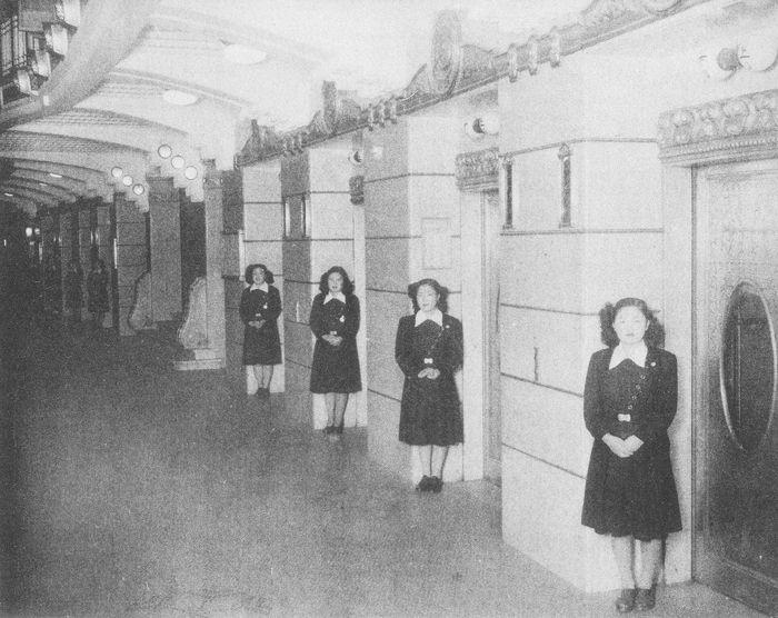 昭和4年 松坂屋のエレベーターガール
