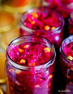 Smaczna Pyza: Przetwory. Sałatka z czerwonej kapusty z kukurydzą i jabłkami
