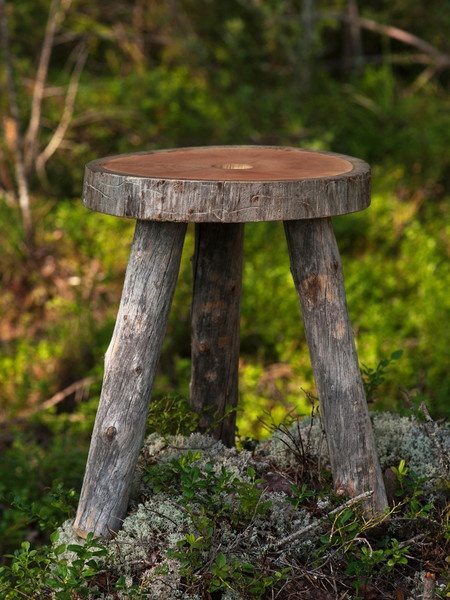 Love, love, love this rustic design:  Unwrapped Jonas Hakamiemi Deadwood furniture for Uhtua Design © Jani Kaila. Helsinki. Finland.