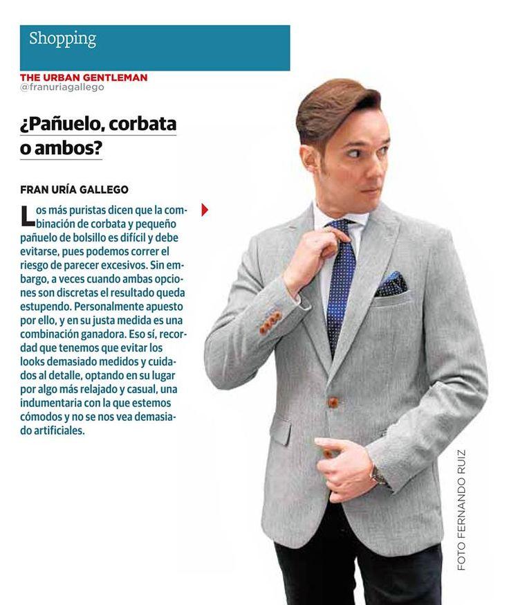 ¿Pañuelo, corbata, o ambos? Nos lo cuenta Fran Uría, vistiendo un total look de Santa Gallego.  Periódico: Las Provincias Foto: Fernando Ruiz