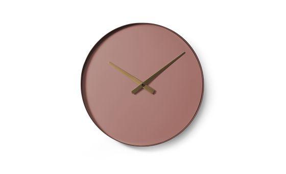 Color watch sætter farve på enhver væg. Uret fås i forskellige farver, alle hvor urskiven er en lidt lysere farve en kanten.