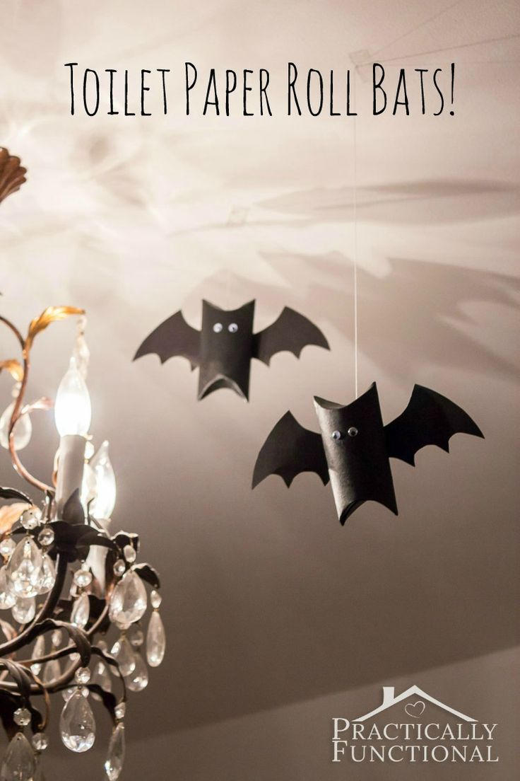 Toilet paper roll bats are the perfect quick and easy Halloween decor craft for the kids!