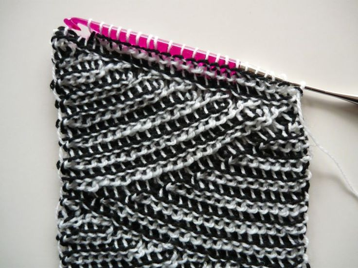 Crochenit Scarf Free Pattern Material: Black and white yarn, Nr 3 = light, about 100 g each; double-ended crochet hook size 8 mm Note: If You are not familiar with at least Tunesian crochet, see...