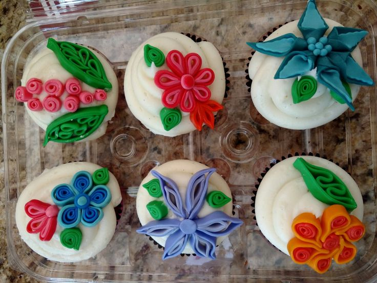 Quilled flower cupcakes