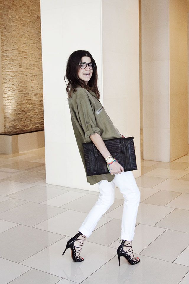 When all else fails in real time. http://bit.ly/GEwva5Fashion Shoes, Denim Jeans, Man Repel, White Pants, Leandra Medine, Paige Denim, Fashion Bloggers, Girls Shoes, White Jeans