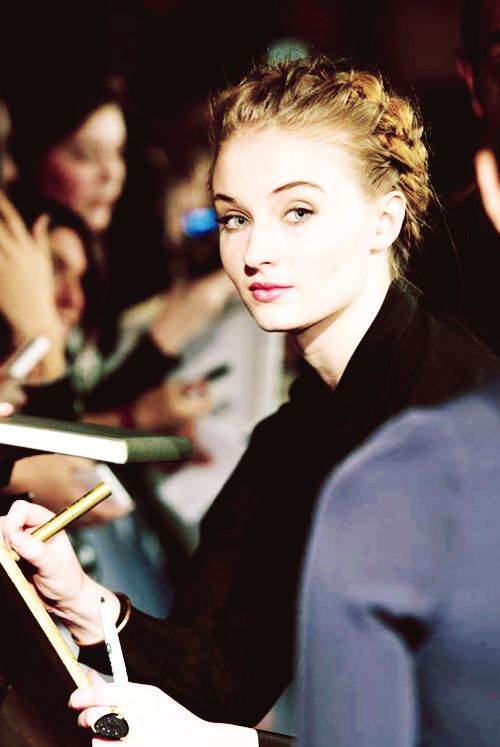 Sophie Turner signs for fans at the Game of Thrones Season 4 Premiere in Paris