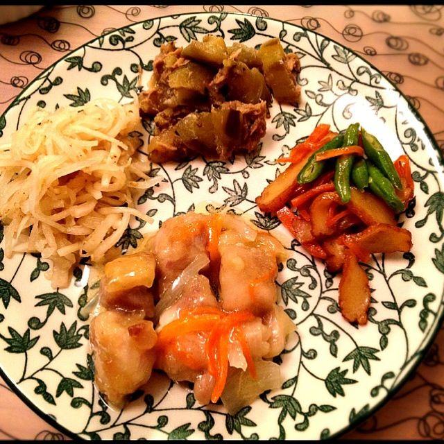おばんざい風に。 - 2件のもぐもぐ - 鶏南蛮漬、人参とインゲンと薩摩揚のきんぴら、茄子とツナの甘辛煮、大根サラダ by ikuko