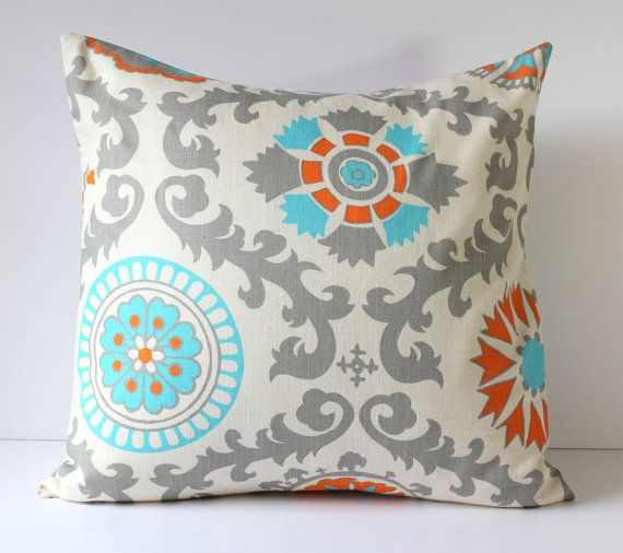 Throw Pillow Color Ideas : 94 best House Ideas images on Pinterest Painted furniture, Annie sloan paints and Duck eggs