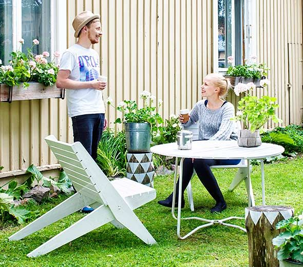 Deko kävi kotonamme. | Deko magazine visited our house. [ Photography: Mirva Kakko ► http://ellit.fi/koti-ja-sisustus/sisustus/saana-ja-olli-tekstiilisuunnittelijoiden-ekokoti-kaupungissa ]