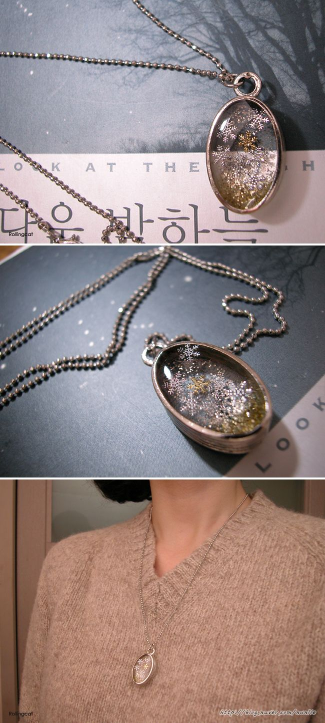 resin necklaces - snow flakes